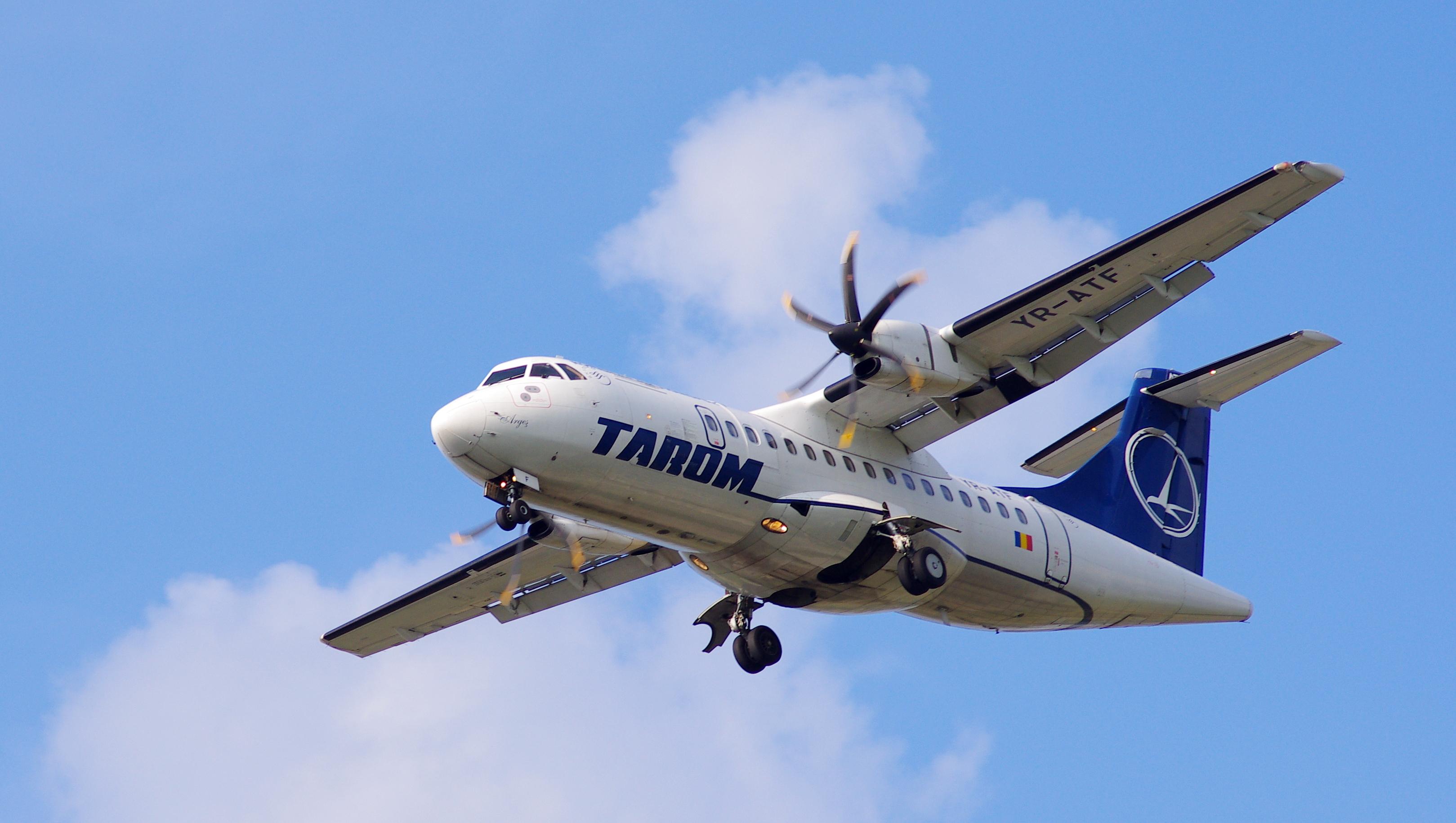 ATR 42-500 YR-ATF