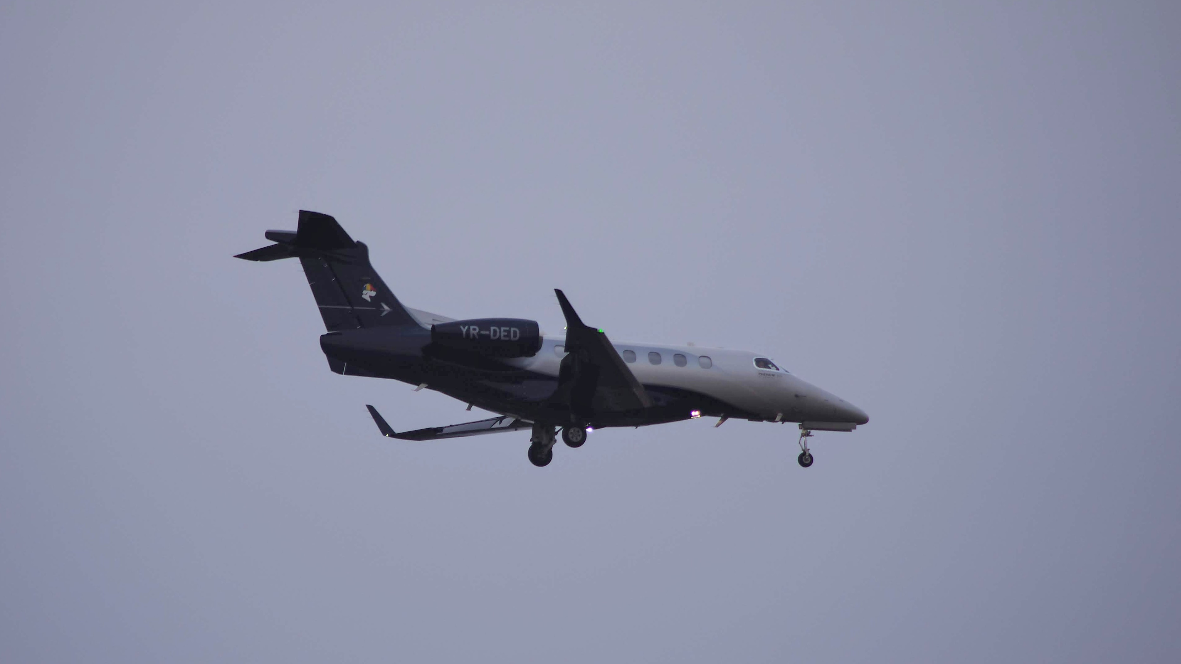 YR-DED Embraer Phenom 300