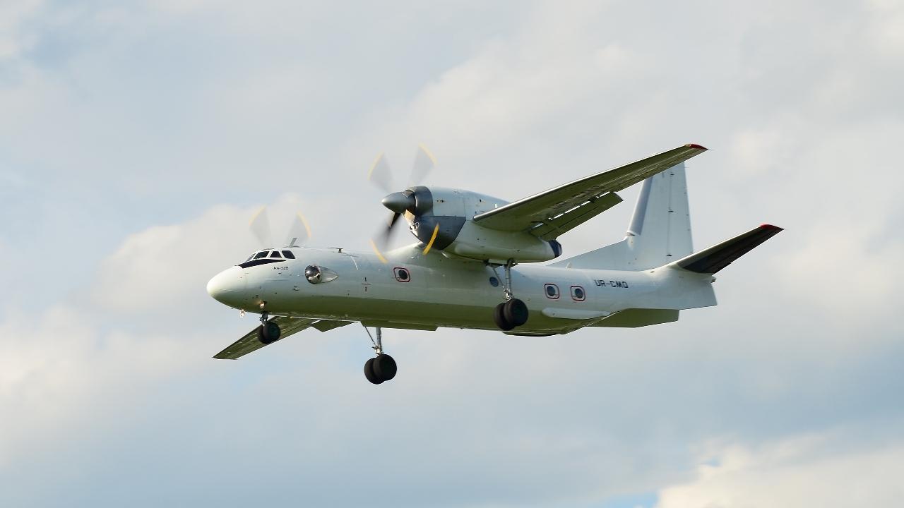 An-32 UR-CMO