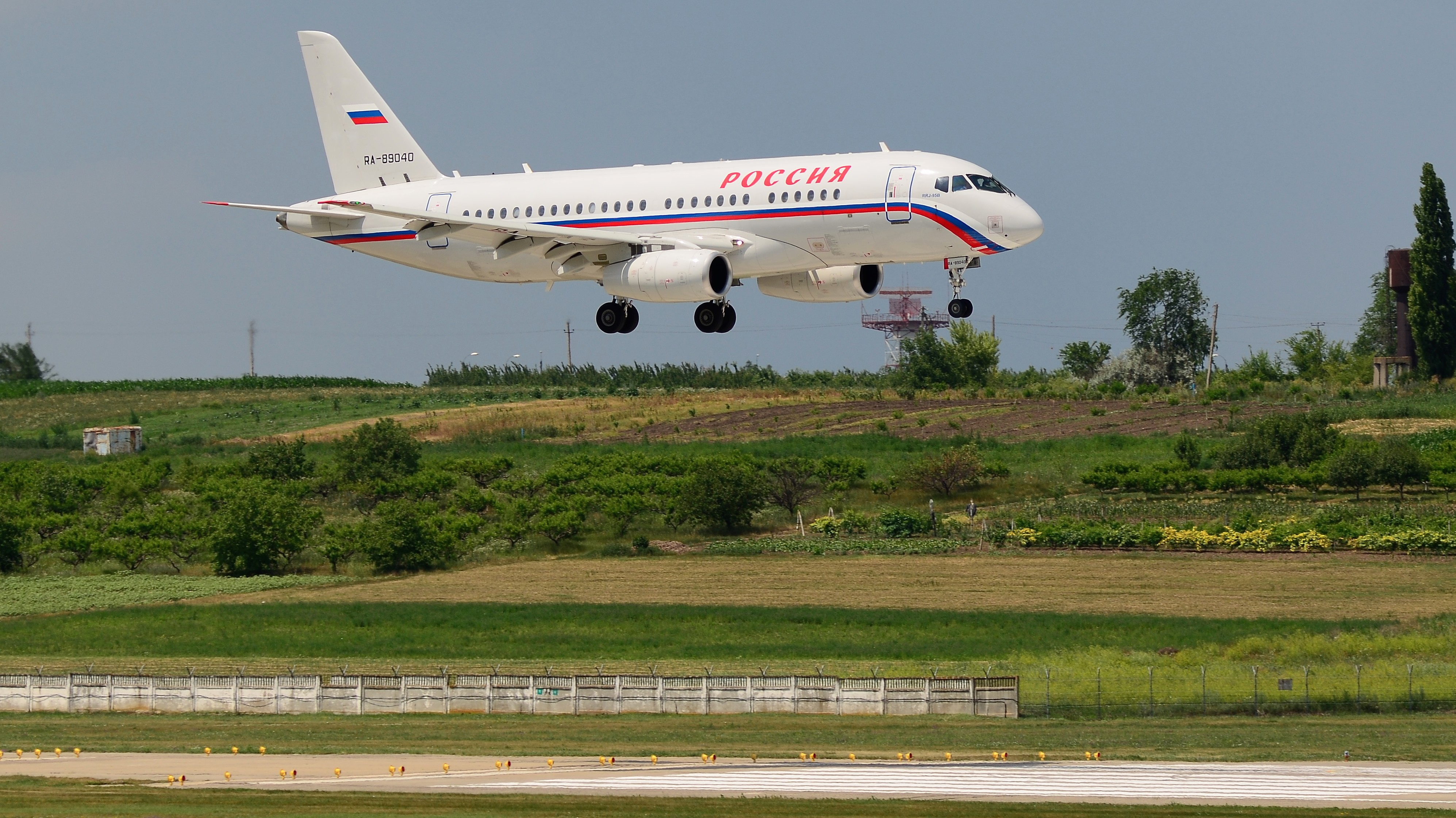 Sukhoi Superjet 100, RA-89040