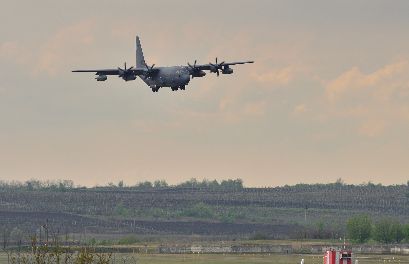 MC-130, Commando II
