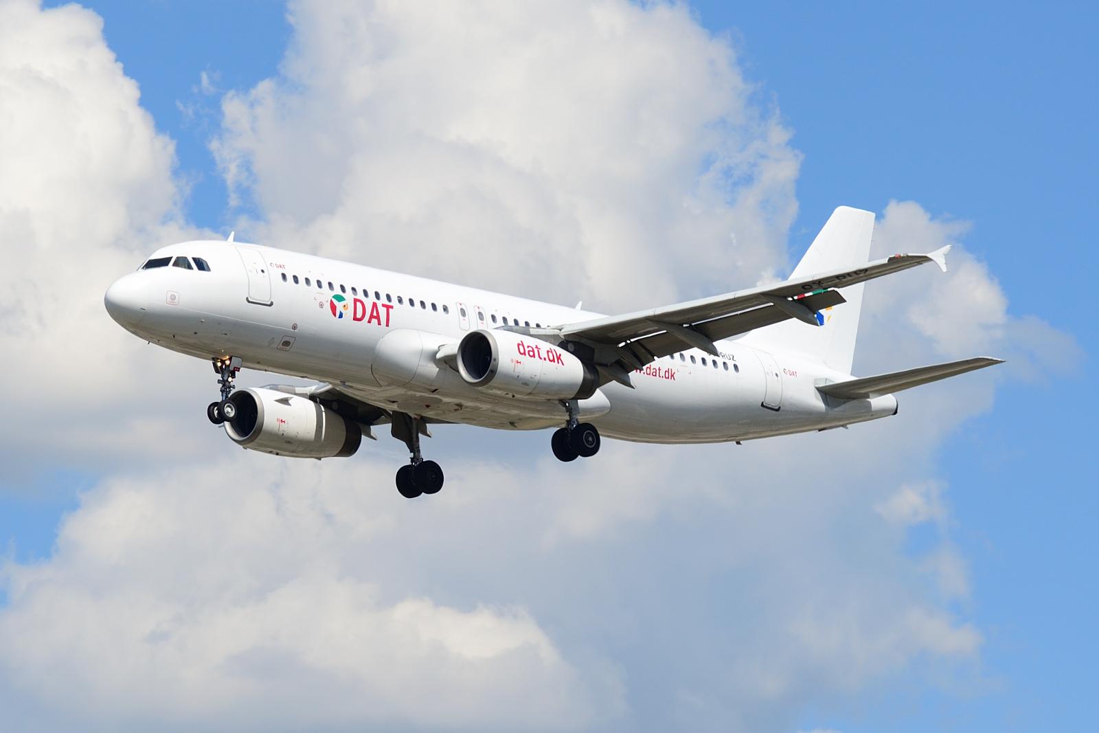 Airbus A320, OY-RUZ