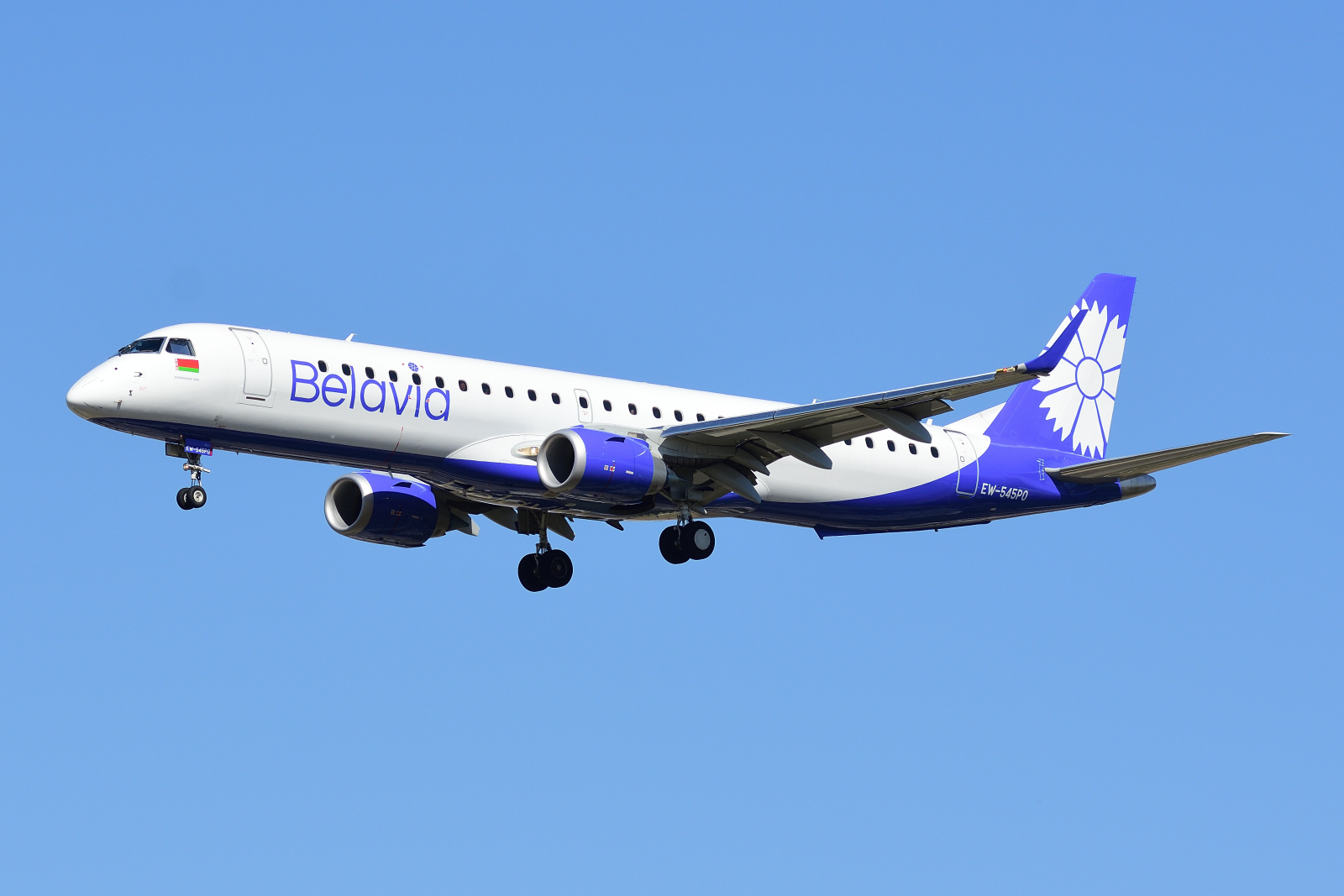 EW-545PO, Embraer 195