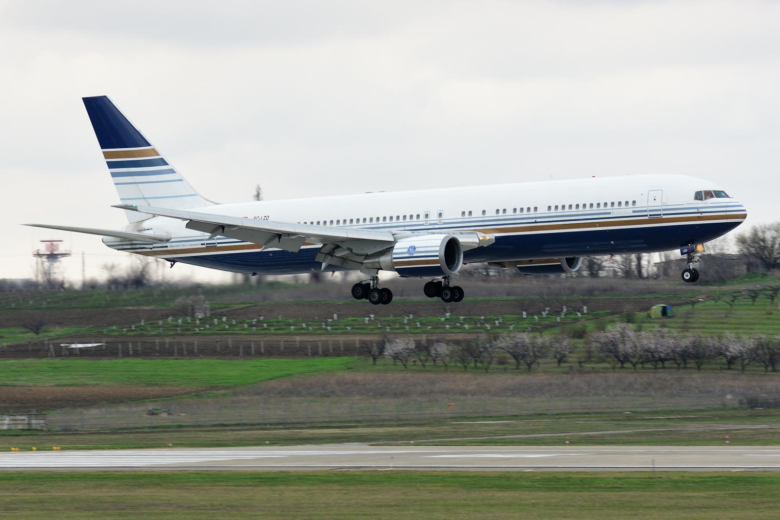 Boeing 767, EC-LZO