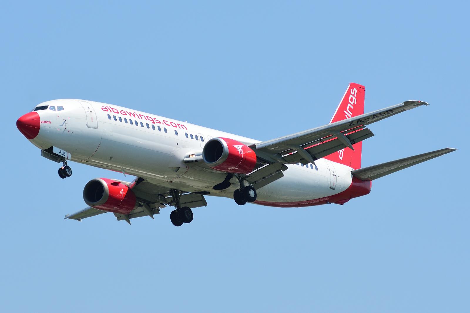 Boeing 737, ZA-ALB