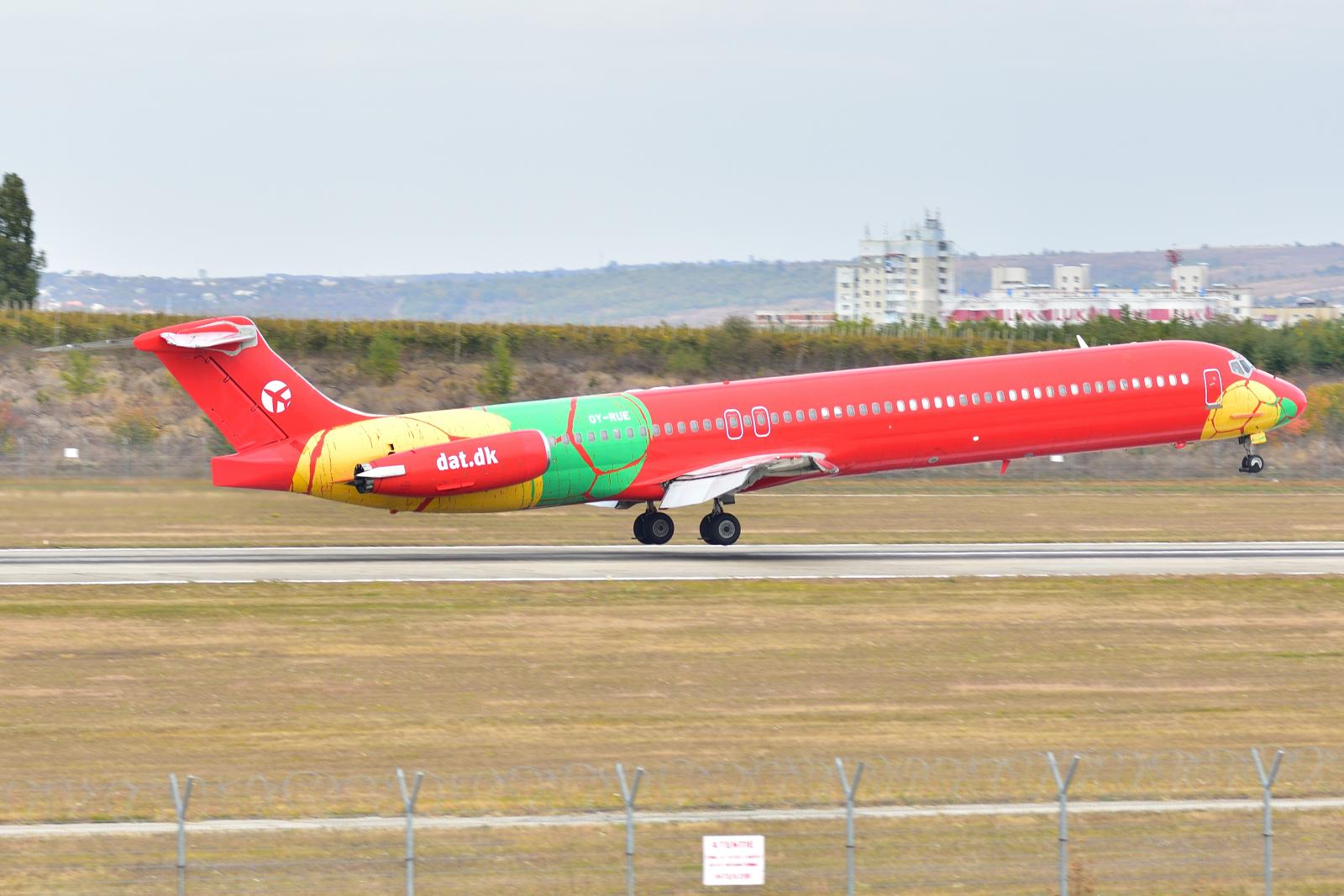 MD-83, OY-RUE